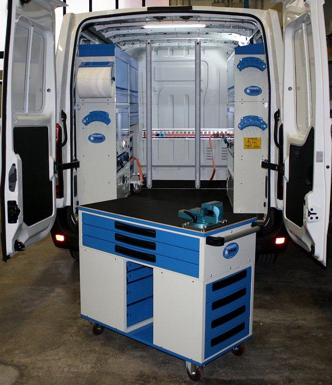 Un blocco d 39 allestimento rimovibile per portare l 39 officina for Presse idrauliche usate per officina
